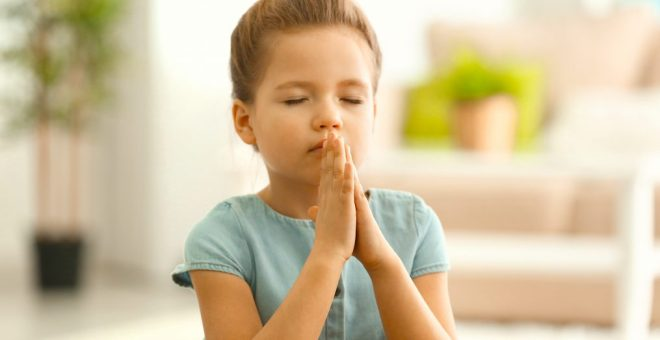 cropped-praying-girl.jpg
